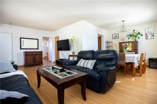 Photo 7: 161 Crestwood Crescent in Winnipeg: Windsor Park Residential for sale (2G)  : MLS®# 202023611
