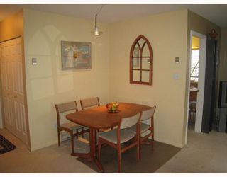 """Photo 4: E204 623 W 14TH Avenue in Vancouver: Fairview VW Condo for sale in """"CONNAUGHT ESTATES"""" (Vancouver West)  : MLS®# V679414"""