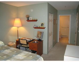 """Photo 5: E204 623 W 14TH Avenue in Vancouver: Fairview VW Condo for sale in """"CONNAUGHT ESTATES"""" (Vancouver West)  : MLS®# V679414"""