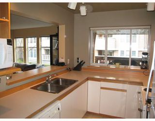 """Photo 8: E204 623 W 14TH Avenue in Vancouver: Fairview VW Condo for sale in """"CONNAUGHT ESTATES"""" (Vancouver West)  : MLS®# V679414"""