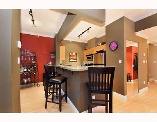 "Photo 5: 2203 1420 W GEORGIA Street in Vancouver: West End VW Condo for sale in ""THE GEORGE"" (Vancouver West)  : MLS®# V688392"