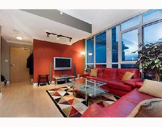 "Photo 3: 2203 1420 W GEORGIA Street in Vancouver: West End VW Condo for sale in ""THE GEORGE"" (Vancouver West)  : MLS®# V688392"
