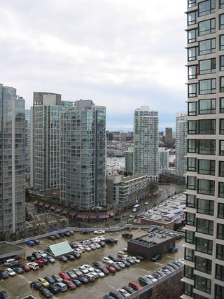 Photo 2: 2007 909 Mainland  Street in Vancouver / Downtown: Condo for sale (Vancouver West)