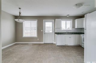 Photo 5: 231 Rutherford Crescent in Saskatoon: Sutherland Residential for sale : MLS®# SK793482
