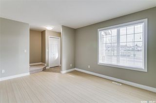 Photo 3: 231 Rutherford Crescent in Saskatoon: Sutherland Residential for sale : MLS®# SK793482