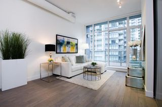 Photo 2: 511 108 1ST AVENUE in Vancouver East: Home for sale : MLS®# R2132646