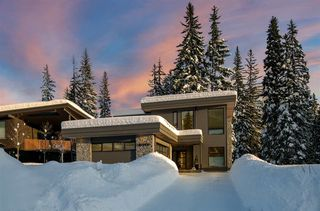 """Main Photo: 8079 CYPRESS Place in Whistler: Green Lake Estates House for sale in """"Cypress Place"""" : MLS®# R2430413"""