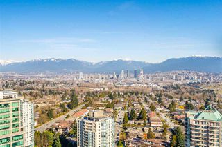 """Photo 2: 3301 4688 KINGSWAY in Burnaby: Metrotown Condo for sale in """"STATION SQUARE"""" (Burnaby South)  : MLS®# R2446499"""