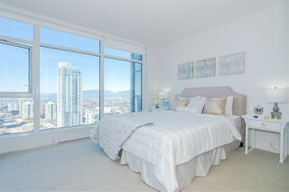 """Photo 10: 3301 4688 KINGSWAY in Burnaby: Metrotown Condo for sale in """"STATION SQUARE"""" (Burnaby South)  : MLS®# R2446499"""