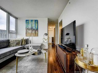 """Photo 14: 2905 33 SMITHE Street in Vancouver: Yaletown Condo for sale in """"COOPERS LOOKOUT"""" (Vancouver West)  : MLS®# R2455712"""
