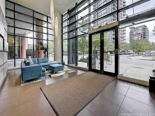 """Photo 4: 2905 33 SMITHE Street in Vancouver: Yaletown Condo for sale in """"COOPERS LOOKOUT"""" (Vancouver West)  : MLS®# R2455712"""