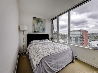 """Photo 17: 2905 33 SMITHE Street in Vancouver: Yaletown Condo for sale in """"COOPERS LOOKOUT"""" (Vancouver West)  : MLS®# R2455712"""
