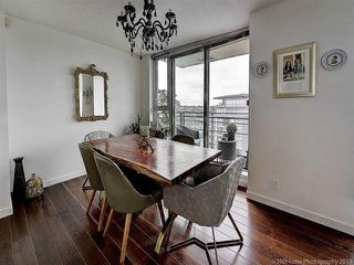 """Photo 8: 2905 33 SMITHE Street in Vancouver: Yaletown Condo for sale in """"COOPERS LOOKOUT"""" (Vancouver West)  : MLS®# R2455712"""