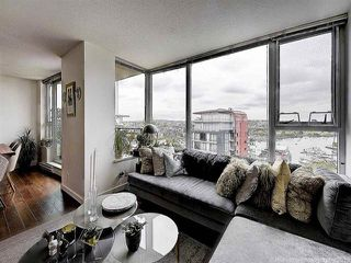 """Photo 5: 2905 33 SMITHE Street in Vancouver: Yaletown Condo for sale in """"COOPERS LOOKOUT"""" (Vancouver West)  : MLS®# R2455712"""