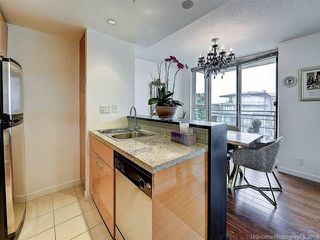 """Photo 10: 2905 33 SMITHE Street in Vancouver: Yaletown Condo for sale in """"COOPERS LOOKOUT"""" (Vancouver West)  : MLS®# R2455712"""