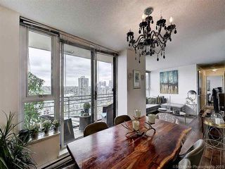 """Photo 9: 2905 33 SMITHE Street in Vancouver: Yaletown Condo for sale in """"COOPERS LOOKOUT"""" (Vancouver West)  : MLS®# R2455712"""