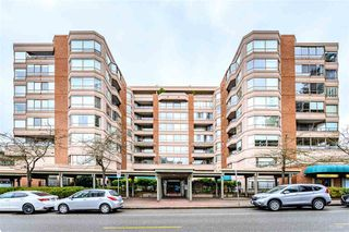 Main Photo: 305 15111 RUSSELL Avenue: White Rock Condo for sale (South Surrey White Rock)  : MLS®# R2461834