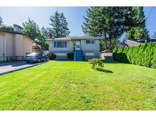 Photo 1: 14028 GROSVENOR Road in Surrey: Whalley House for sale (North Surrey)  : MLS®# R2475167