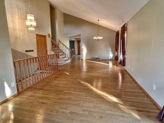 Photo 4: 2 CRAIGAVON Drive: Sherwood Park House for sale : MLS®# E4222358