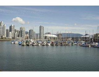 """Photo 1: 834 MILLBANK BB in Vancouver: False Creek Townhouse for sale in """"HEATHER POINT"""" (Vancouver West)  : MLS®# V638962"""