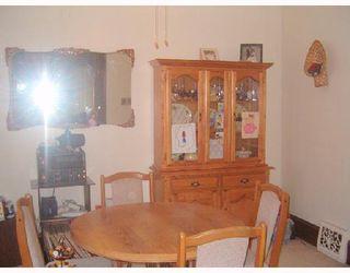 Photo 3: 150 TRAVERSE Avenue in WINNIPEG: St Boniface Single Family Detached for sale (South East Winnipeg)  : MLS®# 2716495