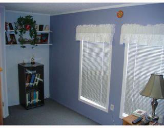 Photo 3: 480 AUGIER in WINNIPEG: Westwood / Crestview Residential for sale (West Winnipeg)  : MLS®# 2801636