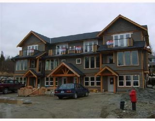 Photo 4: # 3 728 GIBSONS WY in Gibsons: Condo for sale : MLS®# V685210
