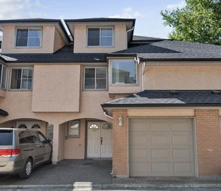 Main Photo: 33 8120 GENERAL CURRIE Road in Richmond: Brighouse South Townhouse for sale : MLS®# R2395002