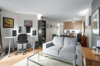 """Photo 7: 310 1040 PACIFIC Street in Vancouver: West End VW Condo for sale in """"CHELSEA TERRACE"""" (Vancouver West)  : MLS®# R2406021"""