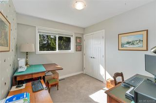 Photo 25: 1040 Holly Park Road in BRENTWOOD BAY: CS Brentwood Bay Single Family Detached for sale (Central Saanich)  : MLS®# 424228