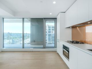 Photo 6: 2102 1480 HOWE Street in Vancouver: Yaletown Condo for sale (Vancouver West)  : MLS®# R2454906