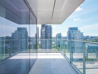 Photo 8: 2102 1480 HOWE Street in Vancouver: Yaletown Condo for sale (Vancouver West)  : MLS®# R2454906