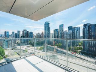 Photo 17: 2102 1480 HOWE Street in Vancouver: Yaletown Condo for sale (Vancouver West)  : MLS®# R2454906