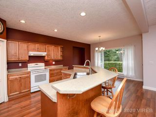 Photo 2: 1766 YEW CRT in COMOX: Z2 Comox (Town of) House for sale (Zone 2 - Comox Valley)  : MLS®# 468880