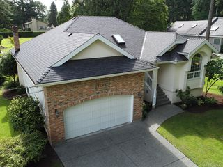 Photo 1: 9255 Jura Rd in North Saanich: NS Ardmore Single Family Detached for sale : MLS®# 842930