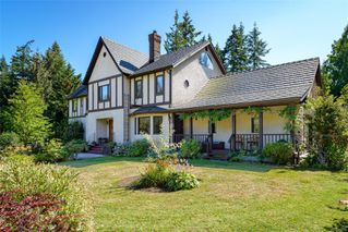 Photo 1: 6620 Rennie Rd in : CV Courtenay North House for sale (Comox Valley)  : MLS®# 851746