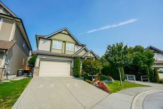 Photo 3: 19729 69B Avenue in Langley: Willoughby Heights House for sale : MLS®# R2494694