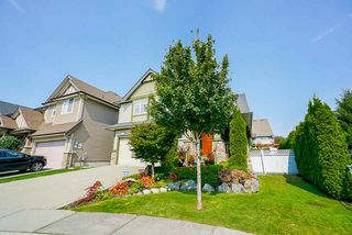 Photo 2: 19729 69B Avenue in Langley: Willoughby Heights House for sale : MLS®# R2494694