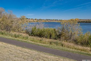 Photo 4: 2019 Spadina Crescent East in Saskatoon: Richmond Heights Residential for sale : MLS®# SK828341