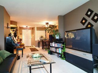"Photo 5: 305 5556 201A Street in Langley: Langley City Condo for sale in ""MICHAUD GARDENS"" : MLS®# F2705422"