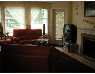 """Photo 4: 104 6820 RUMBLE Street in Burnaby: South Slope Condo for sale in """"GOVERNORS WALK"""" (Burnaby South)  : MLS®# V643600"""