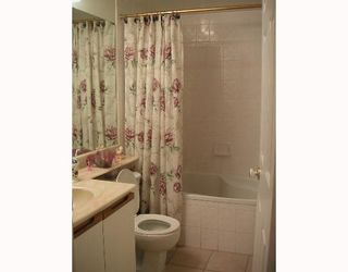 """Photo 9: 104 6820 RUMBLE Street in Burnaby: South Slope Condo for sale in """"GOVERNORS WALK"""" (Burnaby South)  : MLS®# V643600"""