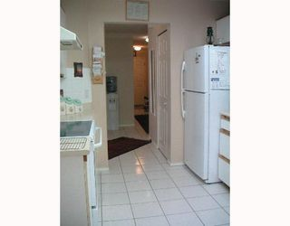 """Photo 7: 104 6820 RUMBLE Street in Burnaby: South Slope Condo for sale in """"GOVERNORS WALK"""" (Burnaby South)  : MLS®# V643600"""