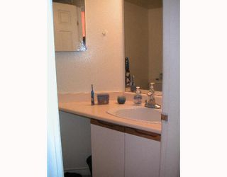 """Photo 10: 104 6820 RUMBLE Street in Burnaby: South Slope Condo for sale in """"GOVERNORS WALK"""" (Burnaby South)  : MLS®# V643600"""
