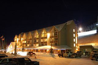Main Photo: 300 Strayhorse Rd in Penticton: Apex Ski Resort Residential Attached for sale : MLS®# 112248