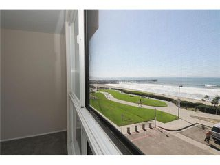 Photo 2: PACIFIC BEACH All Other Attached for sale : 2 bedrooms : 4667 Ocean Blvd # 301