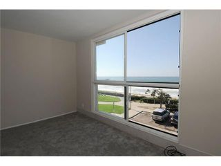 Photo 4: PACIFIC BEACH All Other Attached for sale : 2 bedrooms : 4667 Ocean Blvd # 301