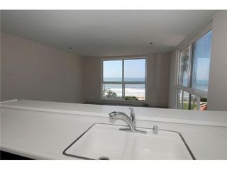 Photo 8: PACIFIC BEACH All Other Attached for sale : 2 bedrooms : 4667 Ocean Blvd # 301