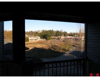 """Photo 8: 337 19528 FRASER Highway in Surrey: Cloverdale BC Condo for sale in """"FAIRMONT"""" (Cloverdale)  : MLS®# F2801753"""