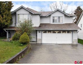 Photo 1: 16015 89A Avenue in Surrey: Fleetwood Tynehead House for sale : MLS®# F2809445